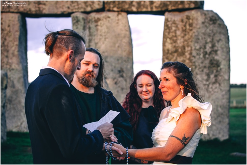 Vows exchange pictures
