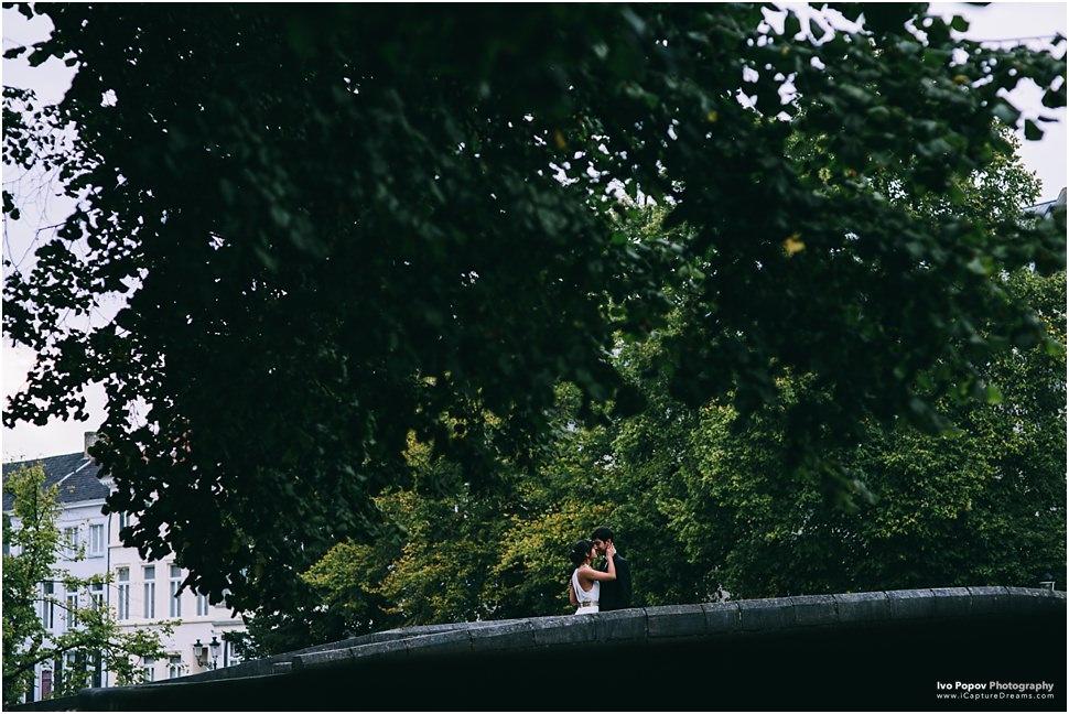 Romantic wedding photos in Bruges