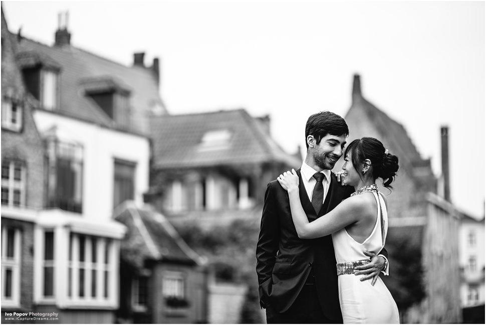 Intimate wedding photos in Bruges