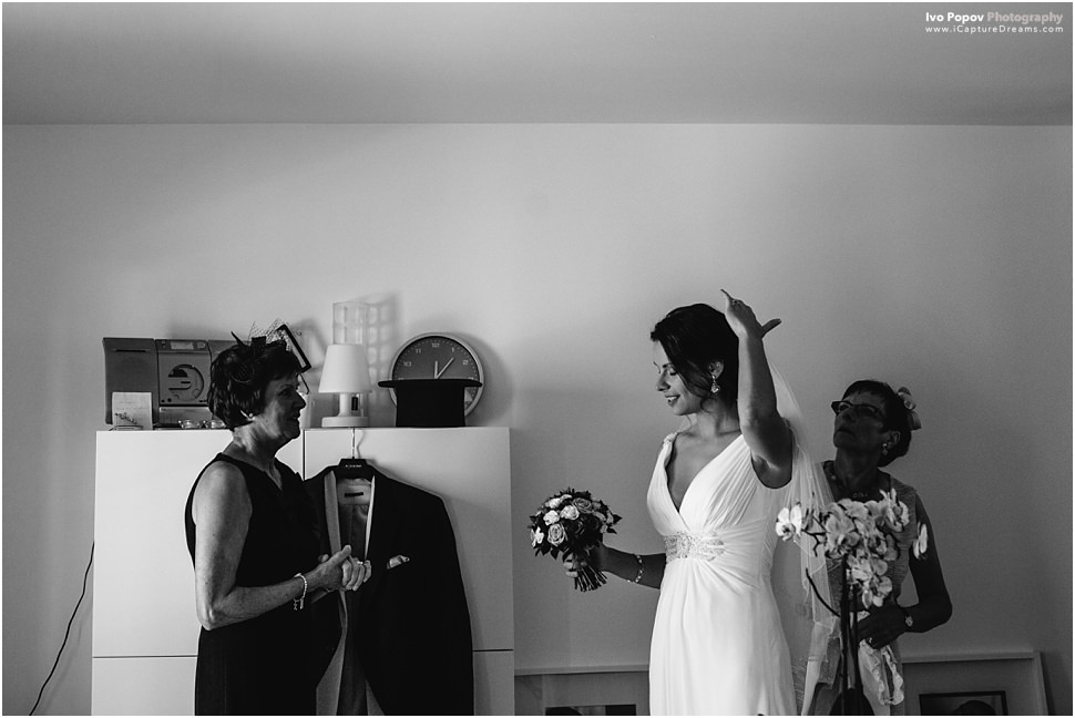Mother help bride get ready in Ghent