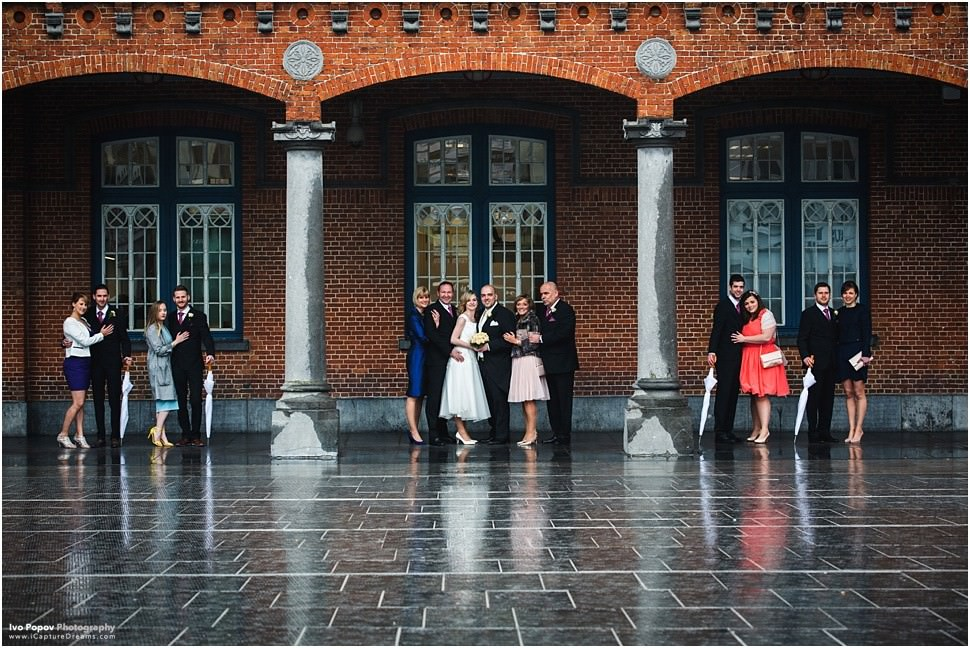 Family wedding portraits in Aalst