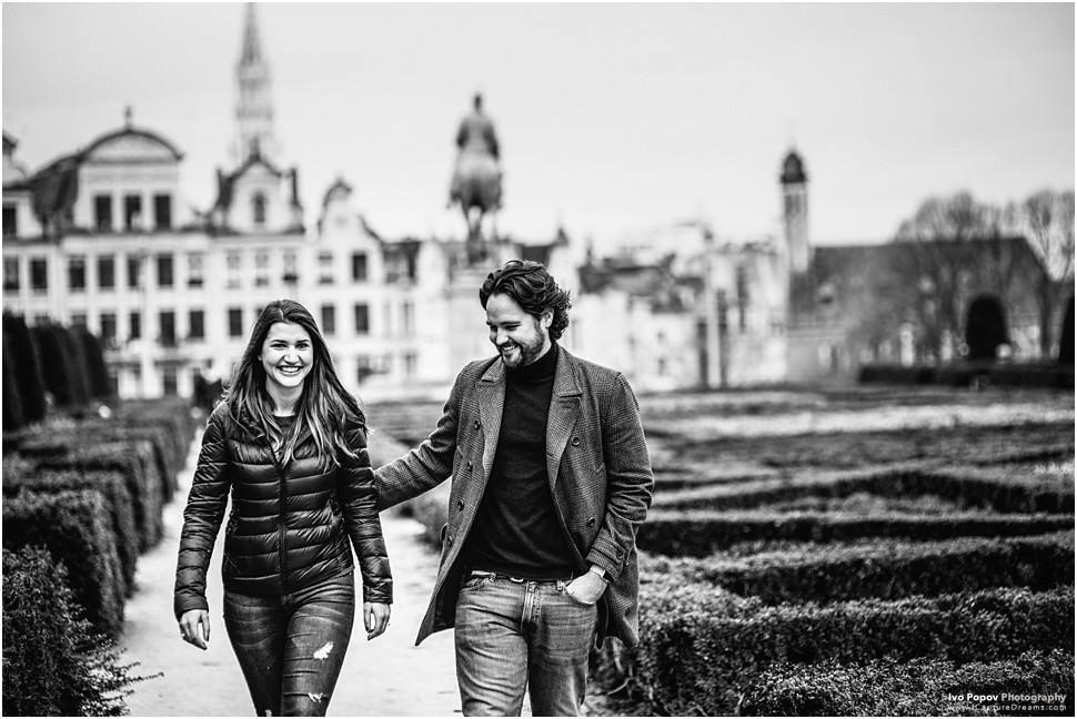 Engagement photosession in Brussels