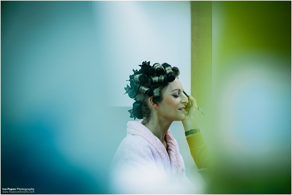 Belgian bride getting ready in Oostkamp