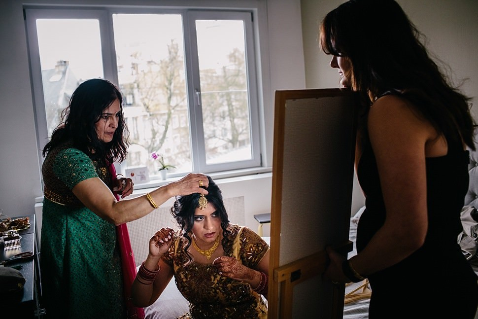 Indian bride getting ready in Brussels