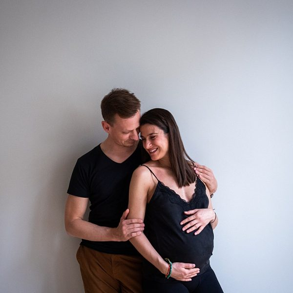 Maternity photo shoot with Nora and Jan in Brussels