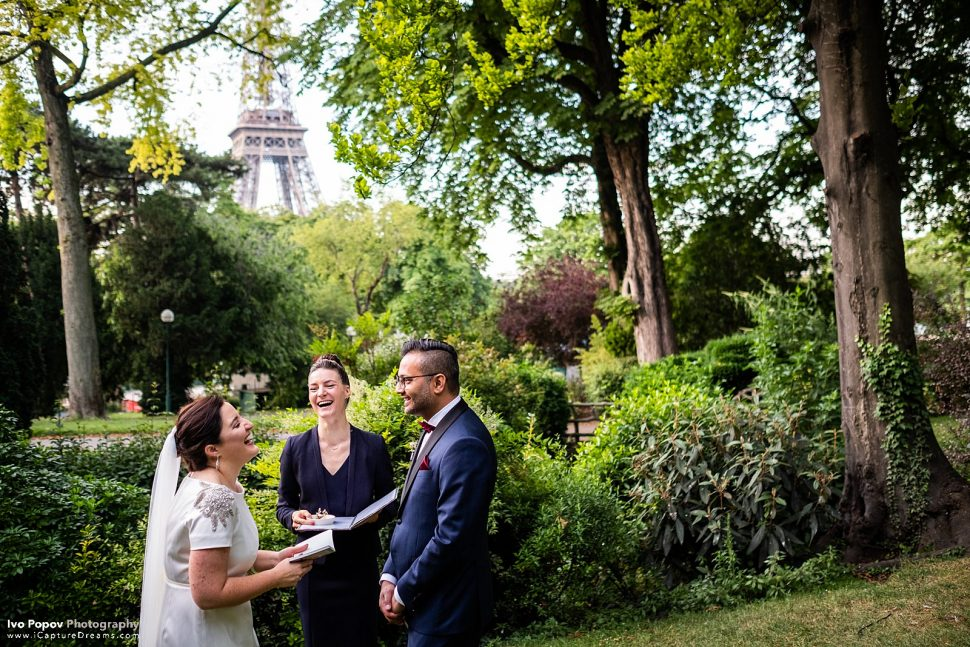 Elopement ceremony in Paris