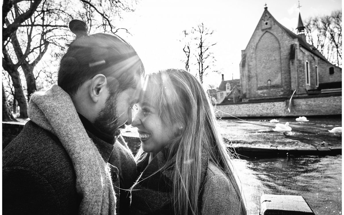 Winter engagement session in Bruges